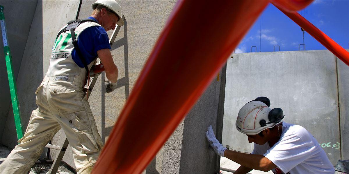 En typisk håndværker står uden arbejde i op til en femtedel af året, viser en ny undersøgelse fra Danmarks Statistik. Det skyldes især dårlig planlægning og kun i mindre omfang vejret.