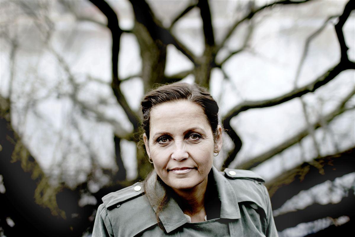 Socialdemokraterne bør lægge muskler i at overbevise Radikale om at hjælpe de mennesker, der falder ud af dagpengesystemet, mener SF's partileder, Pia Olsen Dyhr.
