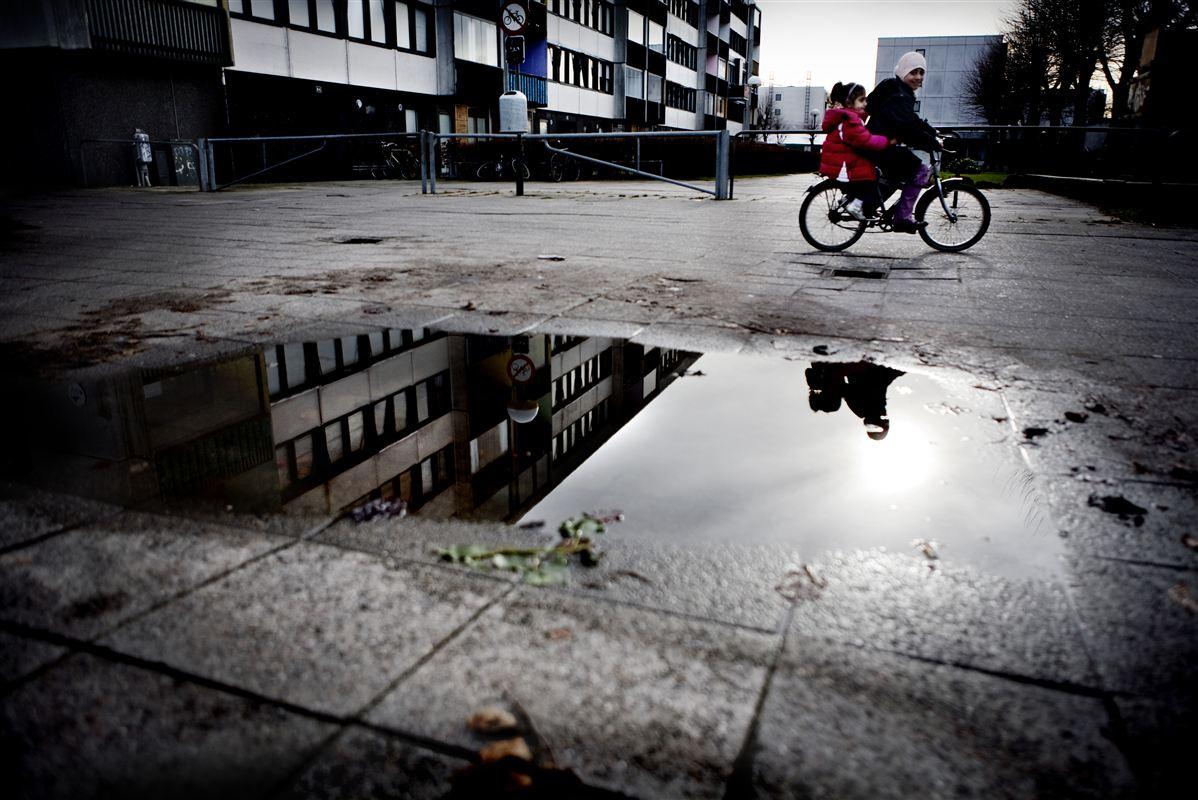 Danskerne vil ikke flytte ind i områder med mange indvandrere. Det gør det vanskeligt at vende udviklingen.