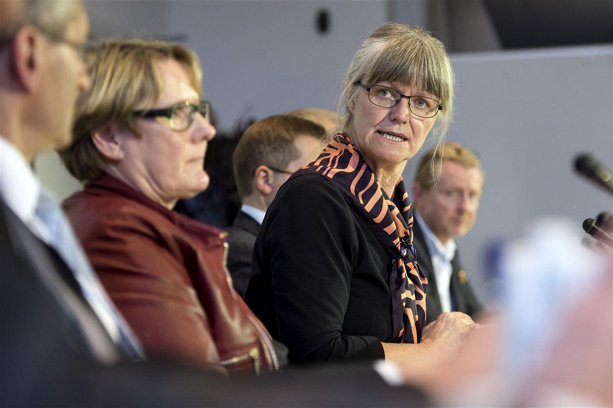 Med gårsdagens udspil har kommissionen gjort det let for politikerne. Nu ligger det på den flade hånd, mener kommissionens formand Nina Smith.