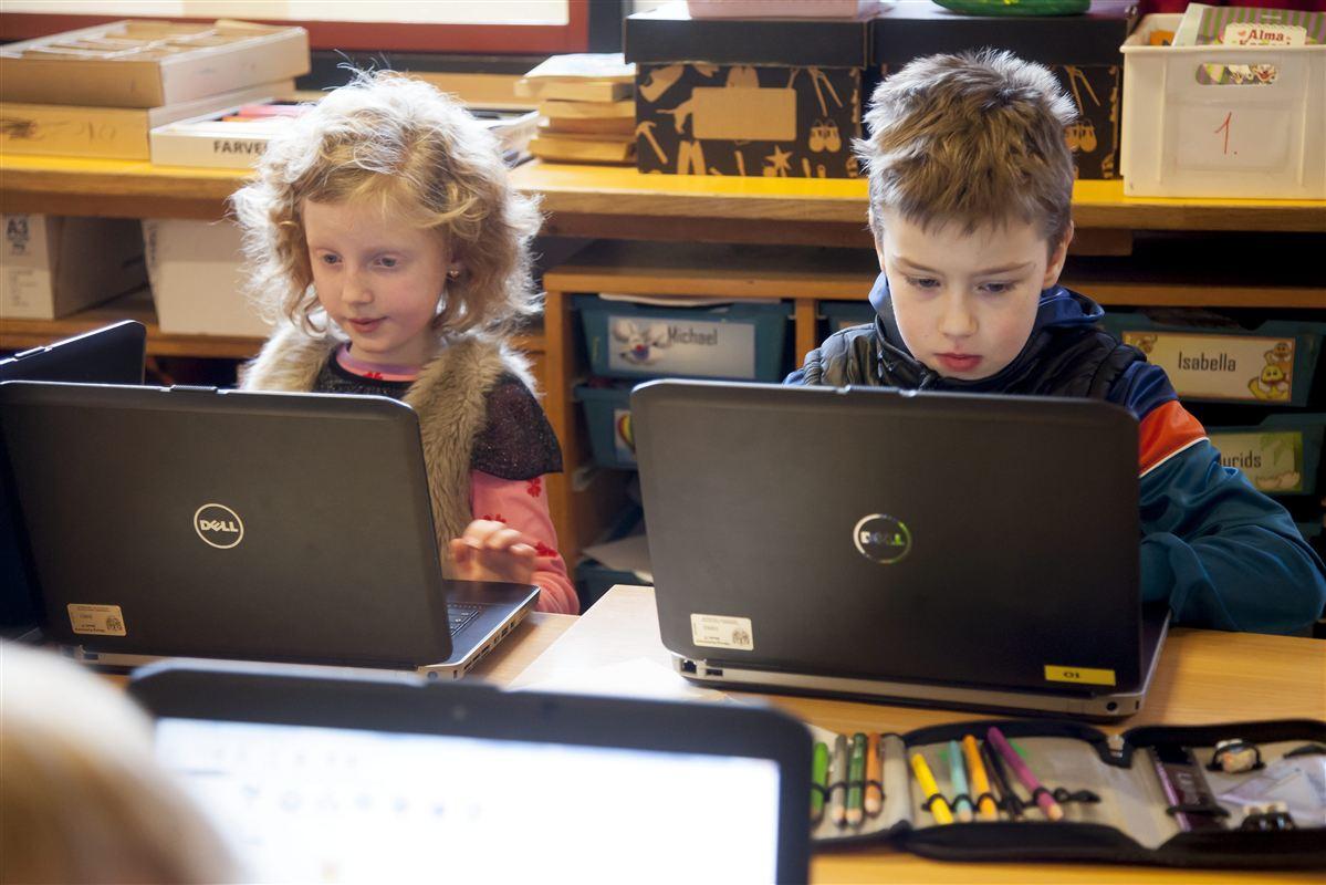 Vi er gode til at udvikle digitale læremidler til børn i Danmark. Men vi har alt for lidt fokus på at sælge dem til udlandet, lyder kritikken.