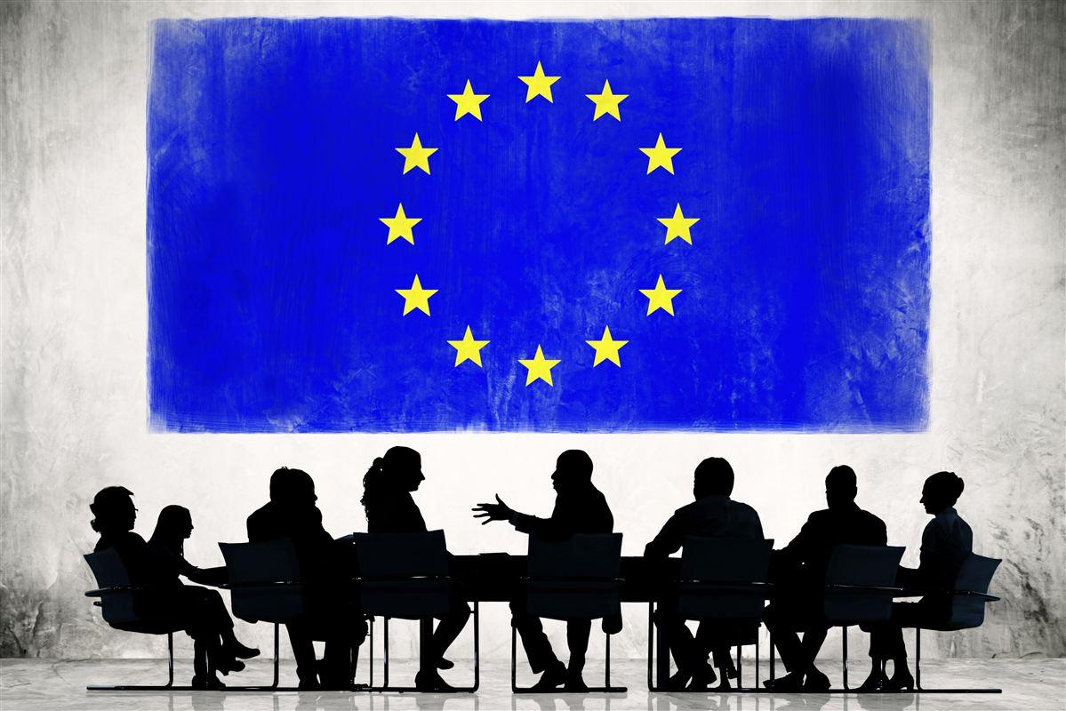 De kommende måneder byder på gruppespil i EU-Parlamentet og slutspil i Kommissionen.