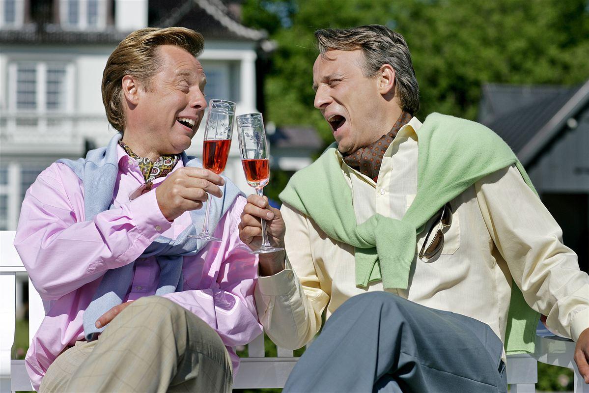 Det kan godt være, at Poul og Fritz synes, de fattige er kedelige, men i bund og grund er de rige tilfredse med de fattiges måde at være fattige på i Danmark.
