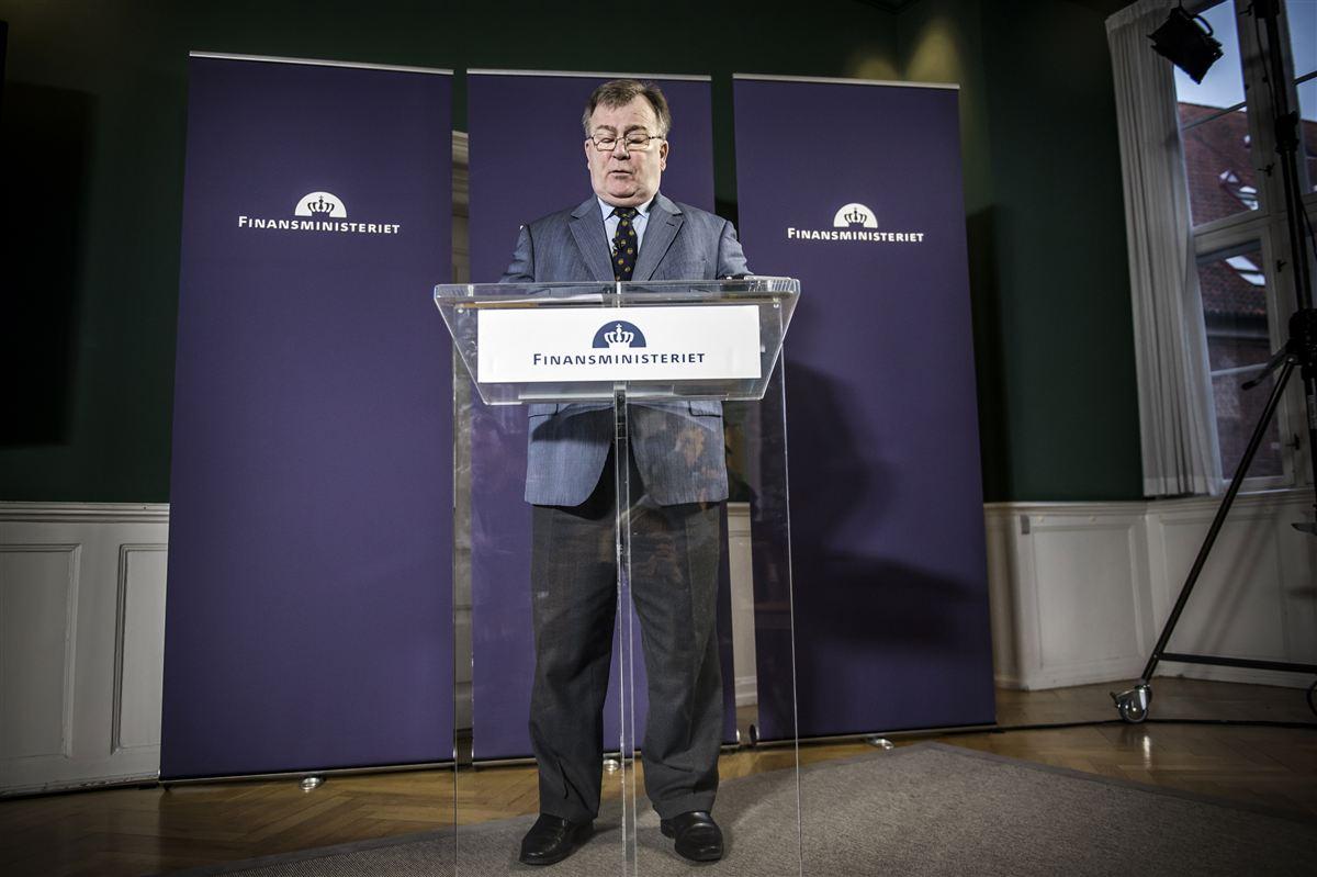 Finansministeriets forudsigelser er ikke altid til at regne med. Sådan lyder kritikken fra fagforbundet FOA og to finansordførere i Folketinget.