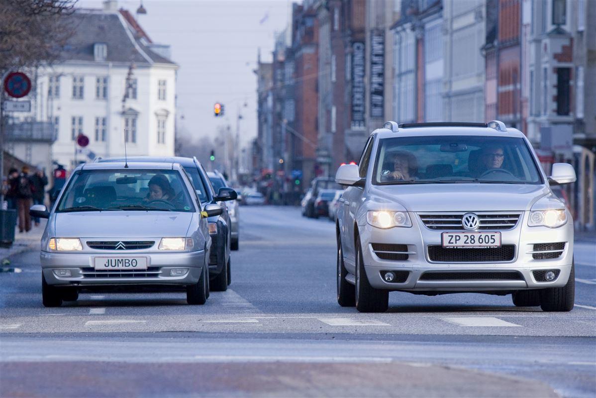 Finanslov 2016 gav de rigeste store besparelser på dyre biler og bedre mulighed for at give de fattigste baghjul.