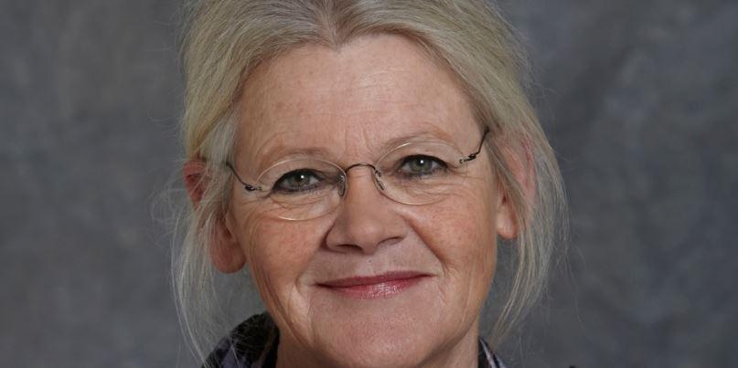 »Da jeg gik i skole, var de elever, der modtog specialundervisning, nede i kælderen, og de holdt ikke frikvarter på samme tidspunkt som os andre. Det er et skrækscenarium for mig, og derfor arbejder jeg for at alle børn kan være en del af fællesskabet,« siger byrådsmedlem og udvalgsformand i Vordingborg Kommune Kirsten Overgaard (V).
