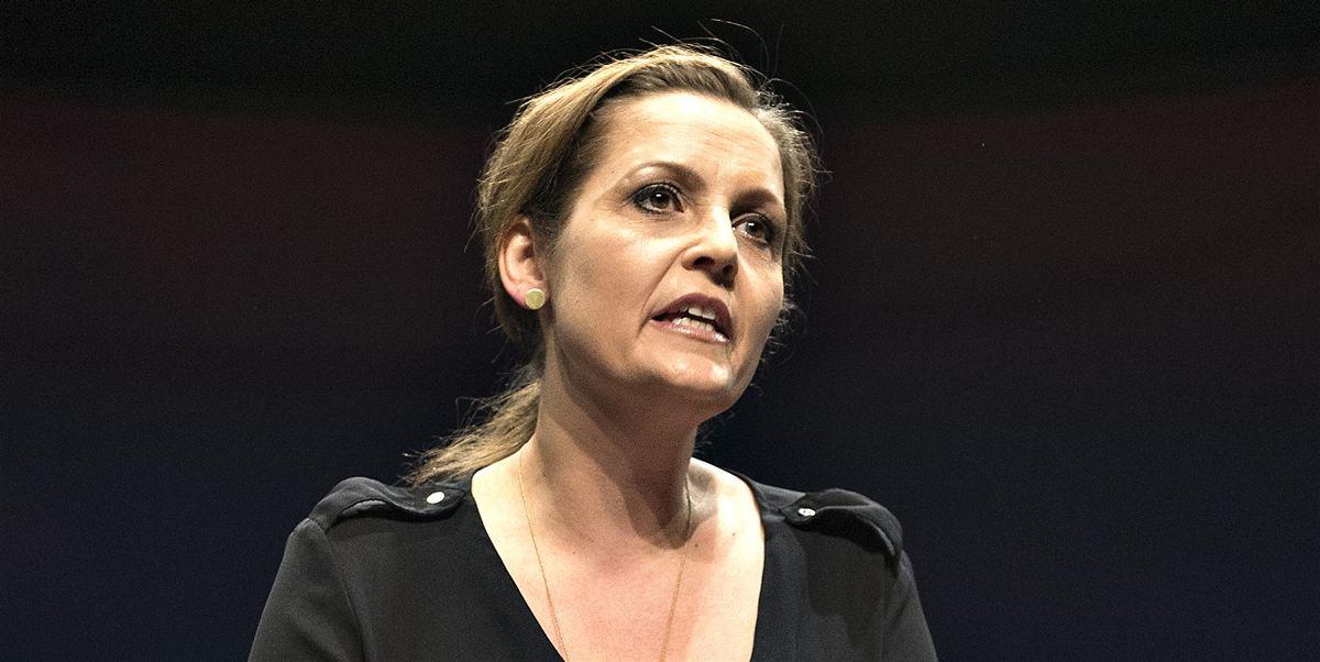 SF-formand Pia Olsen Dyhr lægger op til en stram integrationslinje. Det skal være slut med, at nogle kvinder af anden etnisk baggrund tvinges af familien til at gå hjemme og passe børn uden mulighed for uddannelse eller arbejde.