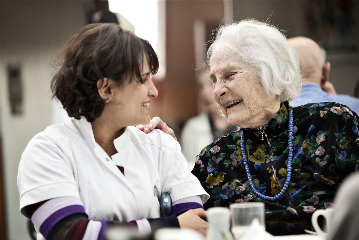Den større tilfredshed i små kommuner er mest tydelig på ældreområdet. Her bedømmer kun 17 procent af borgerne i store kommuner servicen til at være god, mens hele 45 procent af borgerne i små kommuner er tilfredse.