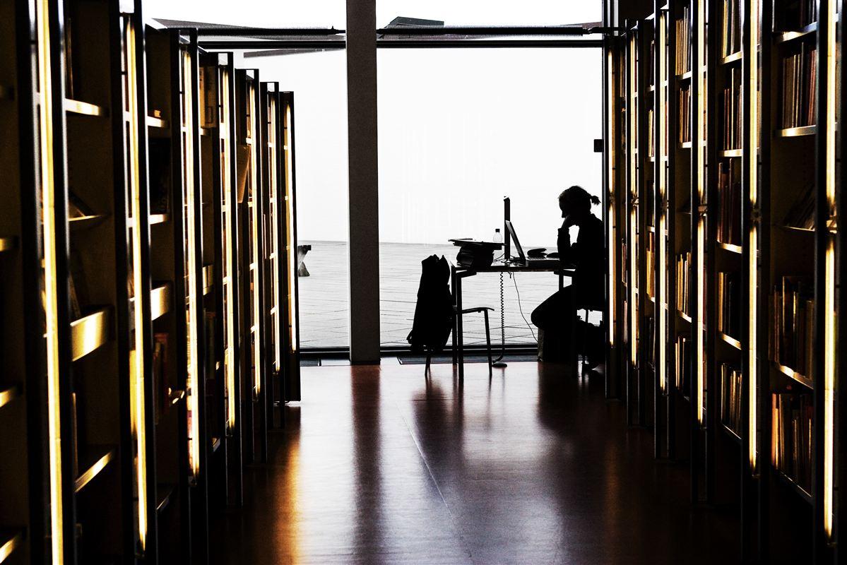 Kommunerne omkring København bruger gennemsnitligt flere penge per indbygger på biblioteker end kommuner i det vestlige Danmark.