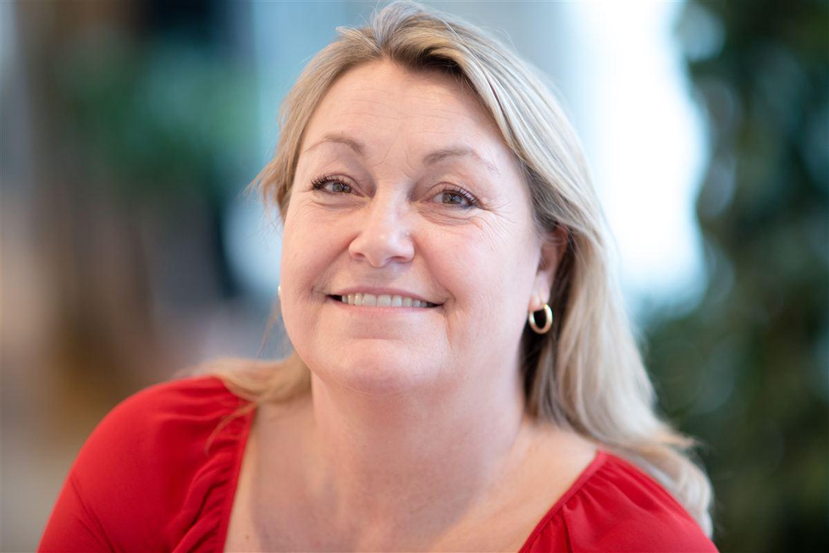 Regeringen glemmer de unge fædre på byggepladserne og i skurvognene, når de ikke vil lovgive om mere barsel til mænd, mener næstformand i LO, Nanna Højlund.
