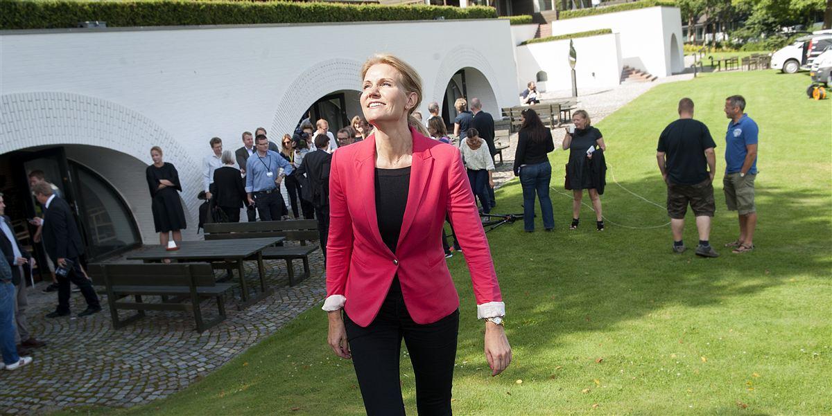 I årtier har LO-Skolen i Helsingør lagt hus til et væld af kurser, konferencer og faglig-politiske arrangementer. Her gør tidligere S-formand Helle Thorning-Schmidt klar til pressemøde i august 2012.