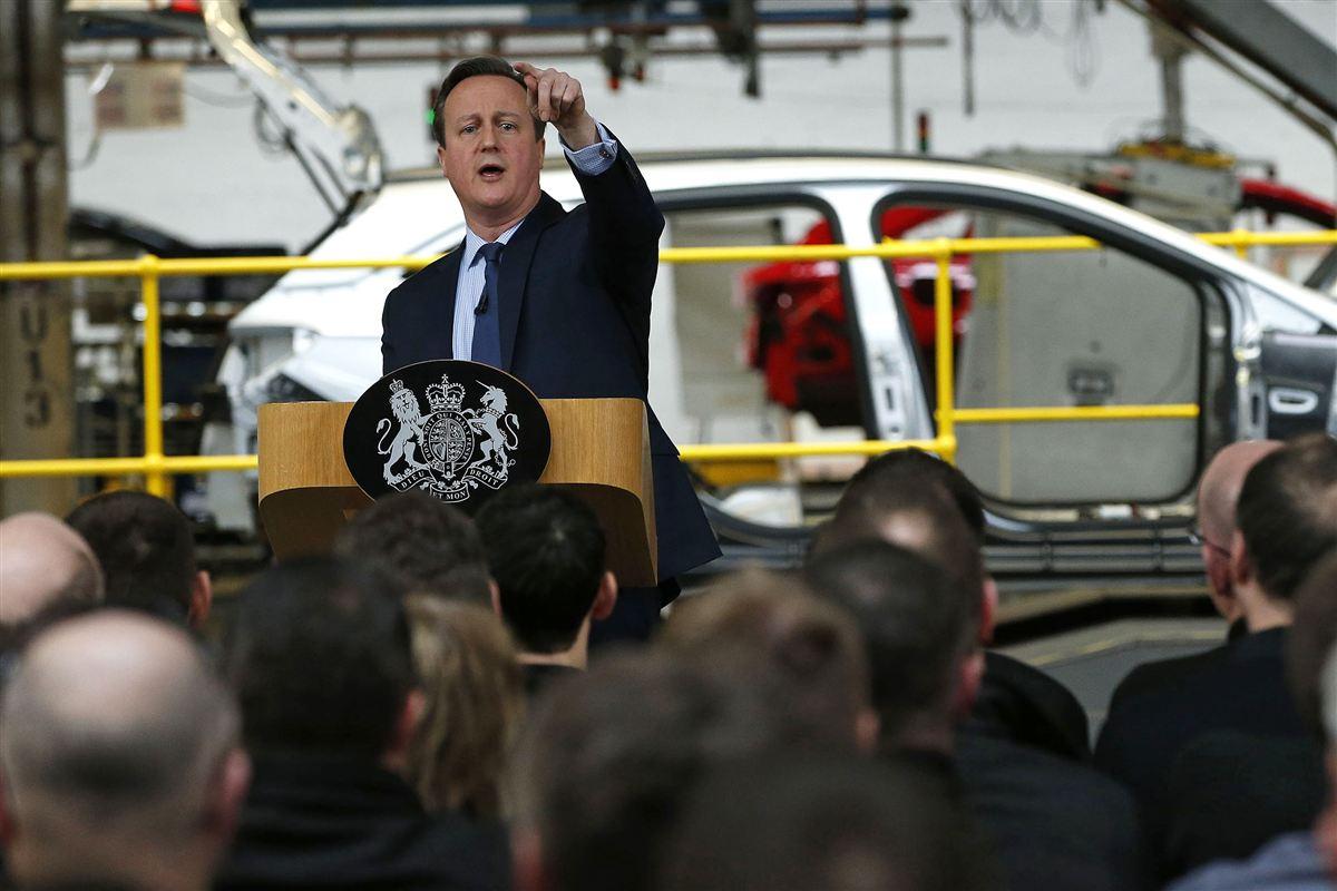 I begyndelsen af marts besøgte den britiske premierminister David Cameron en bilfabrik i det nordlige England for at tale om fordelene ved at blive i EU. For lønmodtagere i hele EU bliver den britiske folkeafstemning 23. juni en gyser.