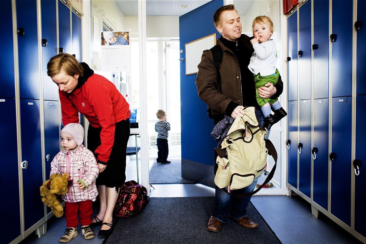 De fleksible danske arbejdstider giver lidt mere overskud - for eksempel når poderne skal afleveres eller hentes i institutionen.