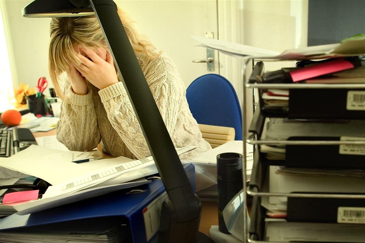 De mange strukturelle ændringer i den offentlige sektor kan resultere i stressede medarbejdere, advarer arbejdslivsforsker.