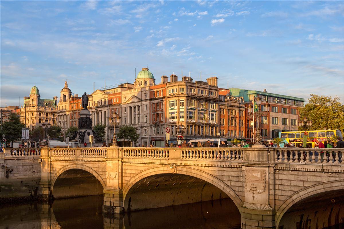 »Irland har ikke brugt velstanden til at skabe en velfærdsstat. Rigdommen er koncentreret på forholdsvis få,« siger professor Bent Greve fra Institut for Samfundsvidenskab og Erhverv ved Roskilde Universitet.