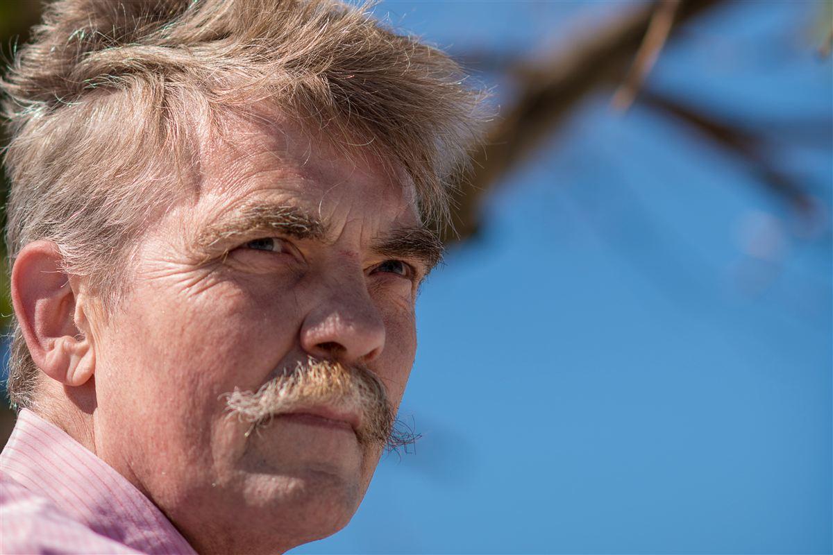 Den arbejdsløse tidligere direktør Martin Dam Hansen har med sit interview i Ugebrevet A4 kastet en håndgranat ind i debatten om seniorernes muligheder på arbejdsmarkedet.